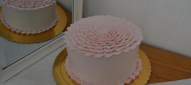 Decoración de pasteles con nata.